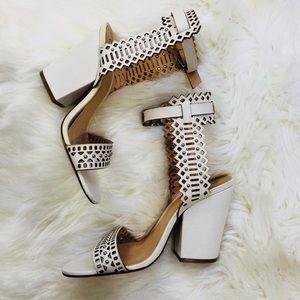 Schutz Carolinis Laser Cut Sandal